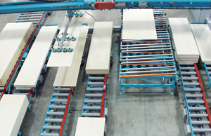 vacuum feeder feeds the size panel requested by the customer's server