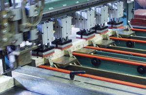 Door Core/Rail/Stile automatic rail feeding, gluing and pressing