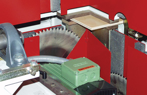 Closeup of base end toenotching saw prior to cutting